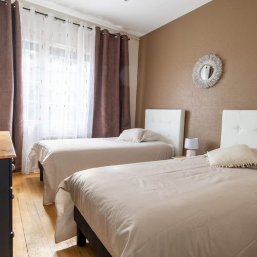 Chambre avec lits jumeaux, gîte pour 6 personnes près du parc de Beauval