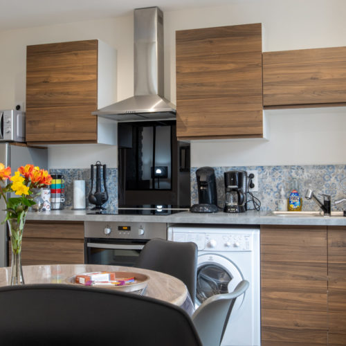 Location de gîte de 2 à 4 personnes, vue de la cuisine, location près de Chambord, Cheverny, Chenonceau, Chaumont, Azay, Villandry
